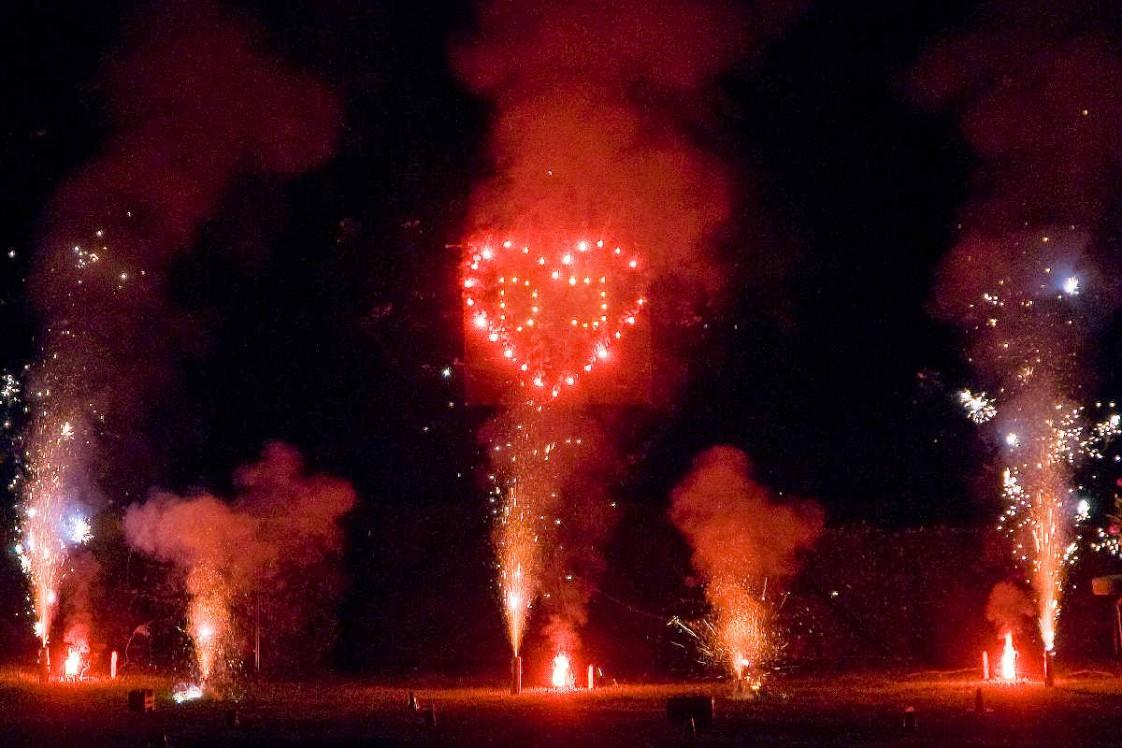 Feuerwerk zur Hochzeit, Geburtstag, Party, Lichterbild, Herz, Bodenfeuerwerk, Vulkane, Fontänen, Feuerwerk Thüringen, Creuzburg